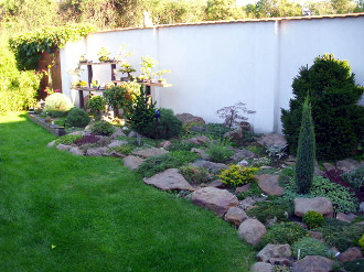 Okrasné zahradní skalky